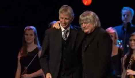 Grahame Davies and Karl Jenkins at  Ysbrydoliaeth' premiere at the Wales Millennium Centre, November 14, 2009. Picture: S4C